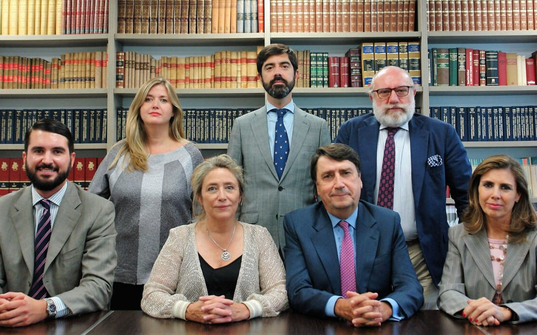 Nace ABECA, alianza de tres firmas a la cabeza del asesoramiento jurídico y económico